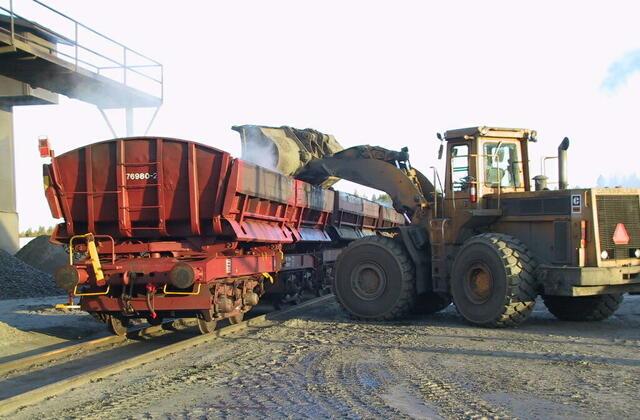 Loading at Siilinjärvi plant